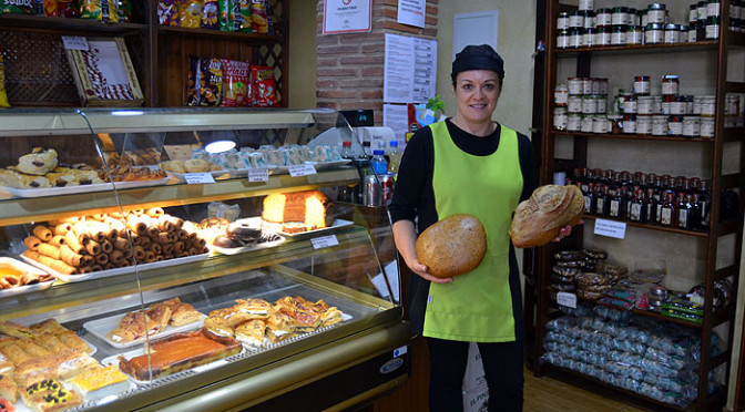 Panadería, Pastelería y Tienda